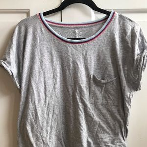 Grey T-shirt with striped collar